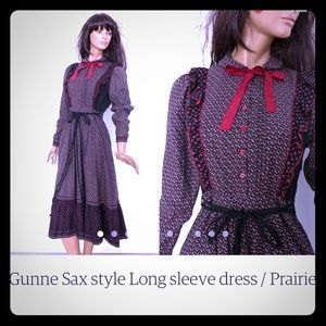 Dresses & Skirts - Navy blue and red over the knee dress vintage